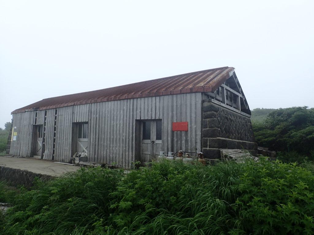 鳥海山の河原宿小屋
