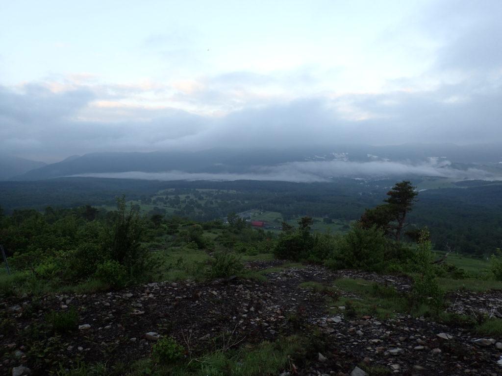 根子岳登山道の東屋からの眺め