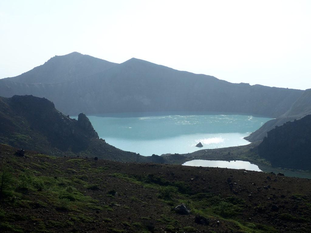 草津白根山の湯釜