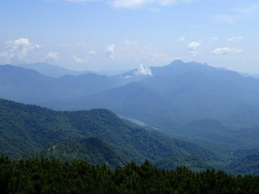 火打山山頂から見おろす乙見湖