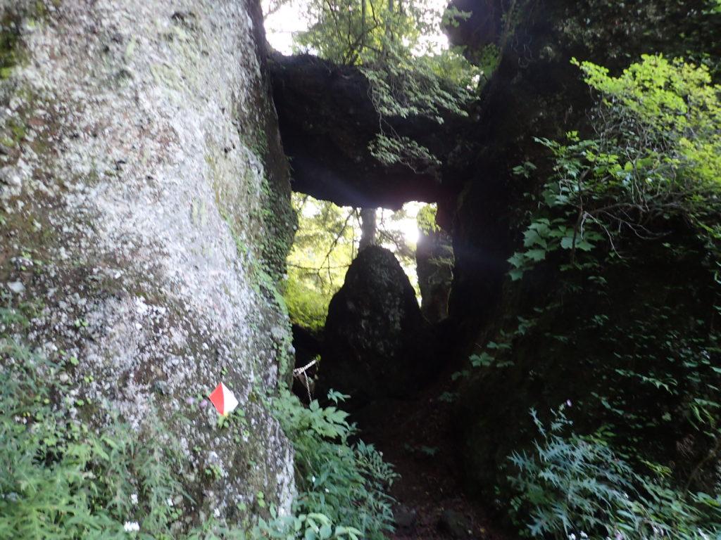皇海山クラシックルートの一の門