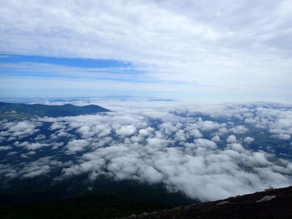 岩手山山頂から見る雲海