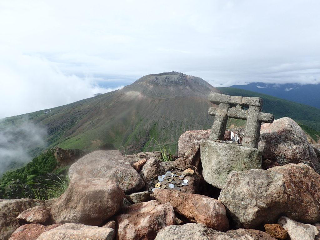 那須岳の朝日岳山頂