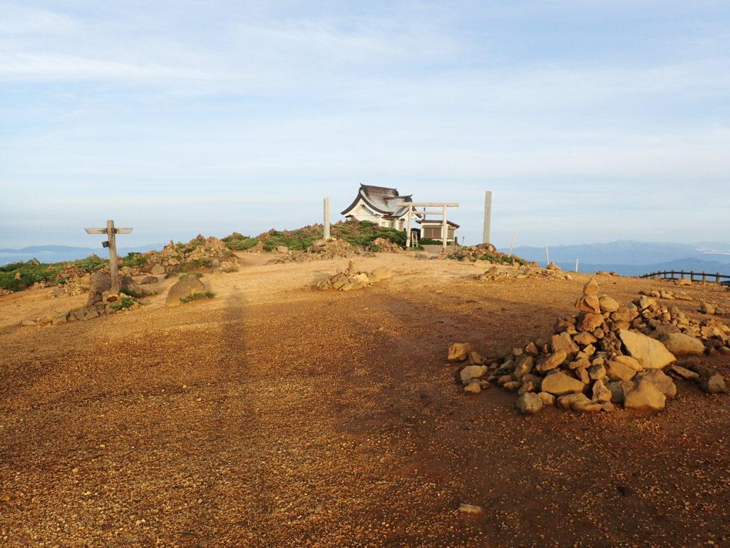 刈田岳山頂のケルン