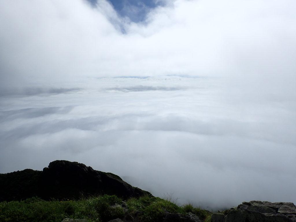 岩木山山頂からの雲海