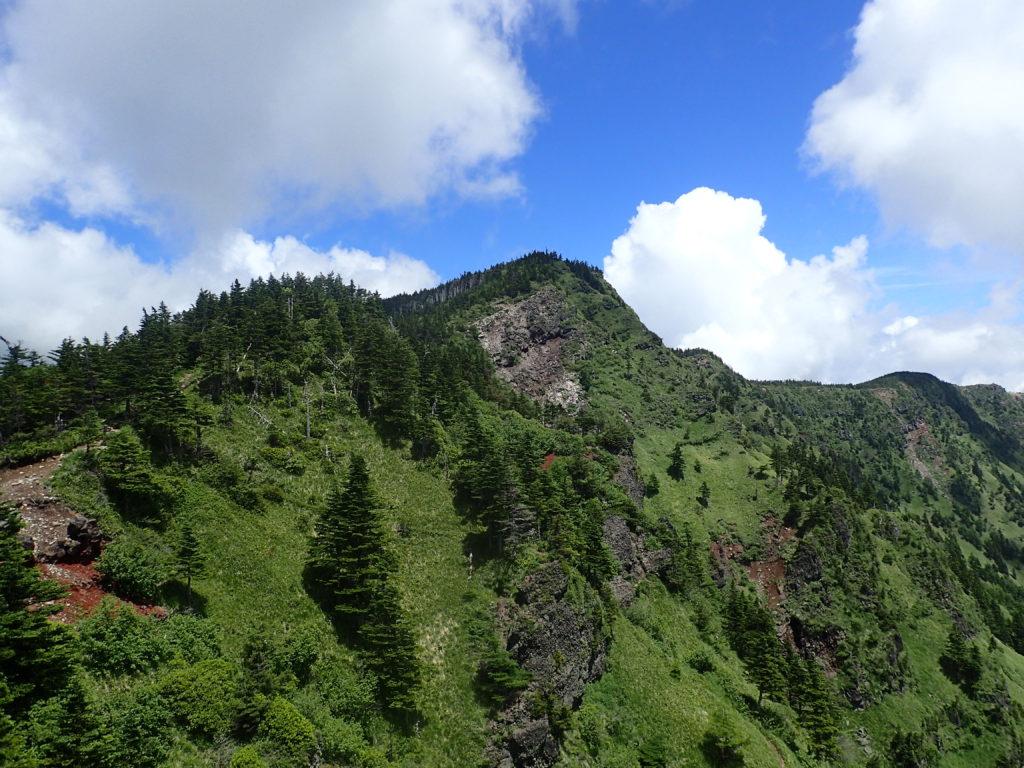 黒斑山登山道(表コース)にあるトーミの頭から撮影した黒斑山