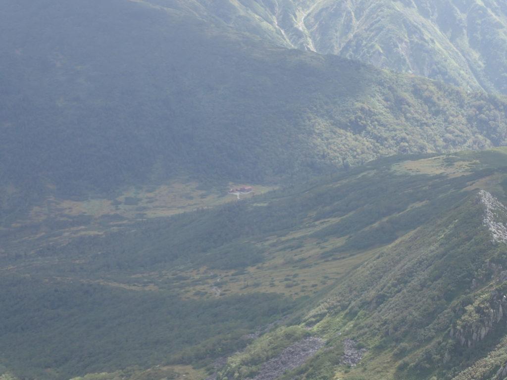 黒部五郎岳山頂から見る黒部五郎小舎