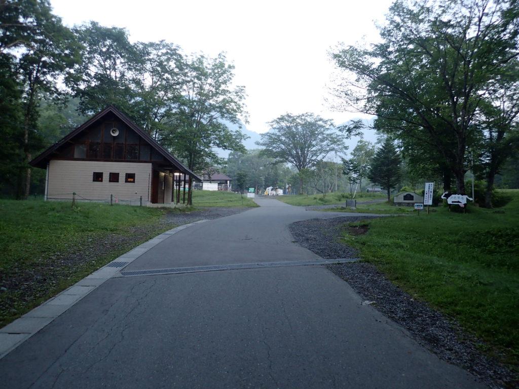 戸隠キャンプ場・戸隠牧場の通路