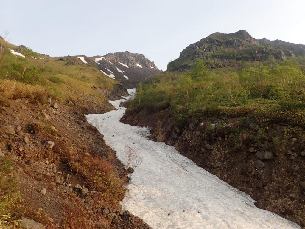 焼岳登山道(中の湯ルート)の残雪