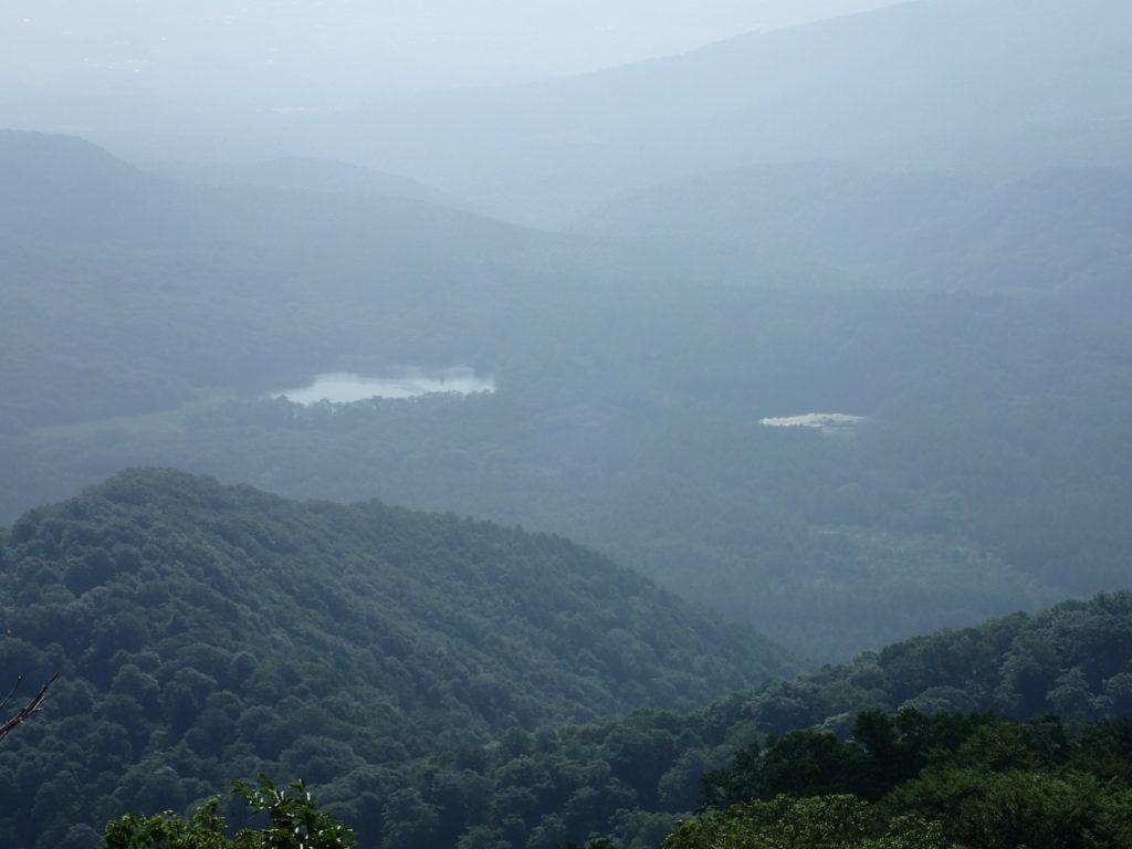 弥勒新道から見おろす古池と種池