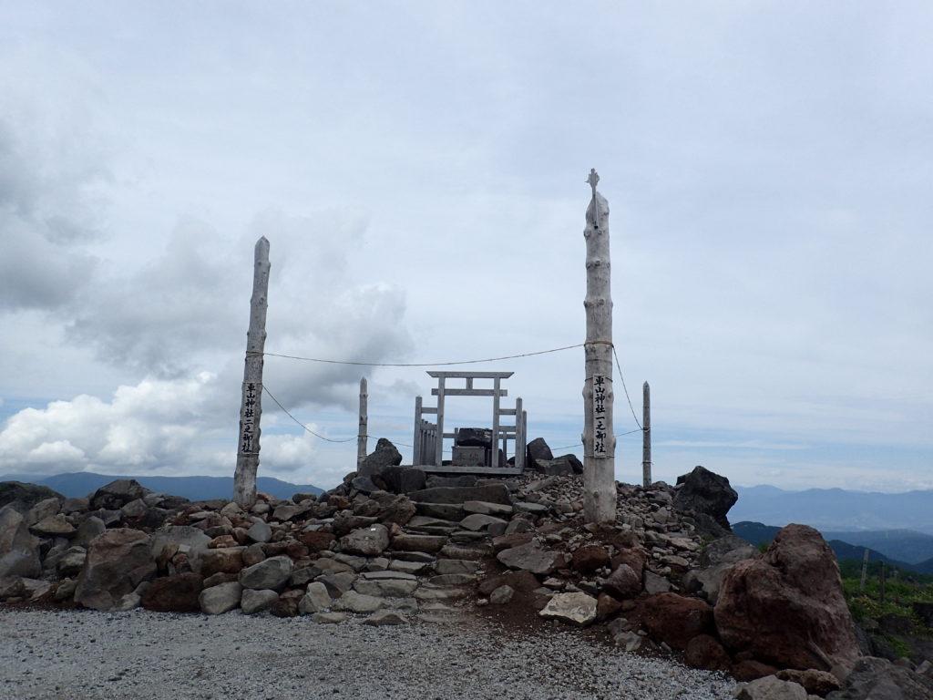 霧ケ峰の車山にある車山神社