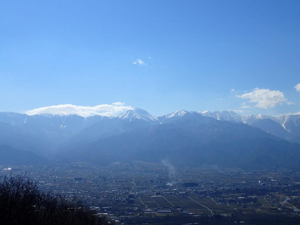 長峰山から見る安曇野市と常念岳