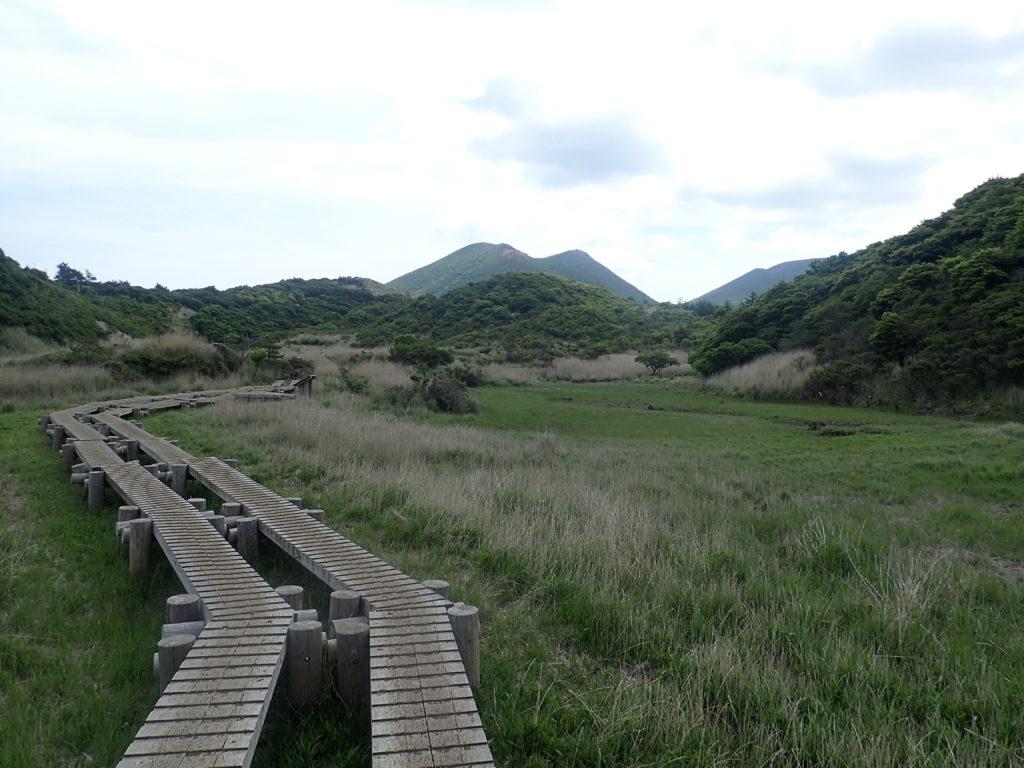 九重山の登山ルート上にある雨ヶ池