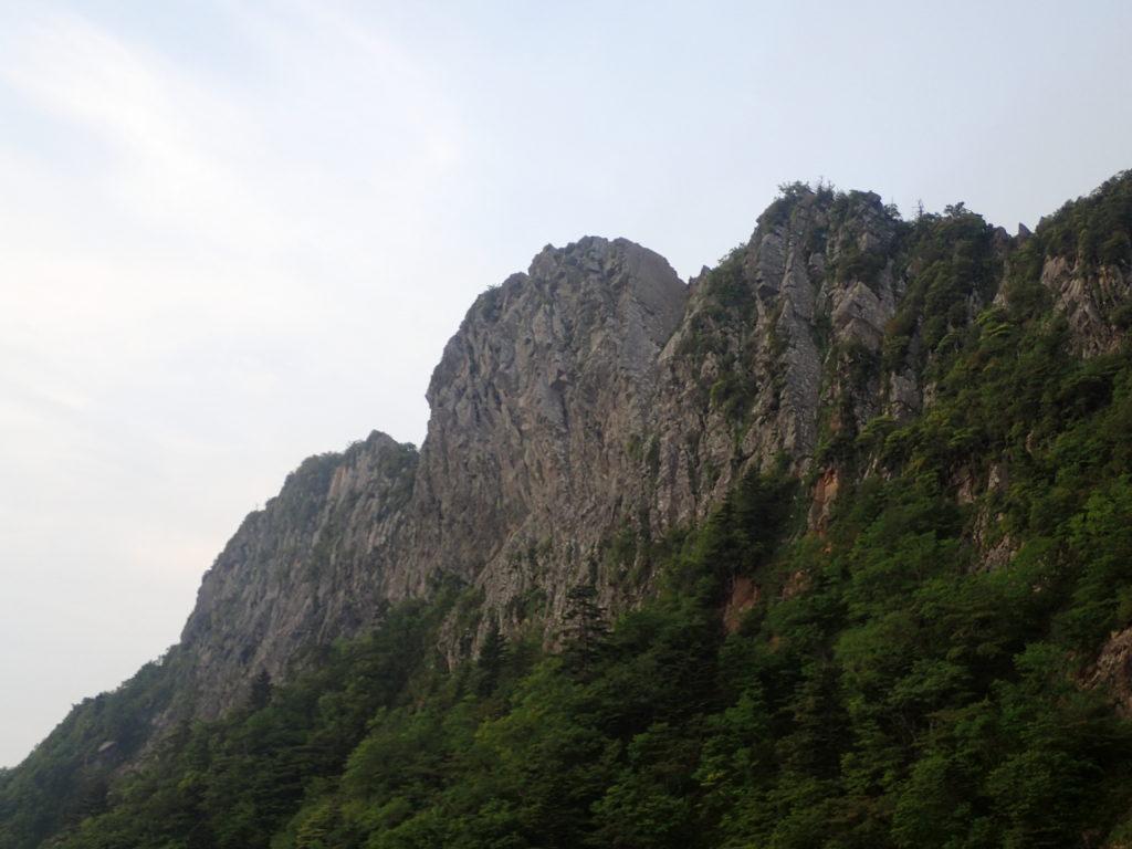 石鎚山の山容