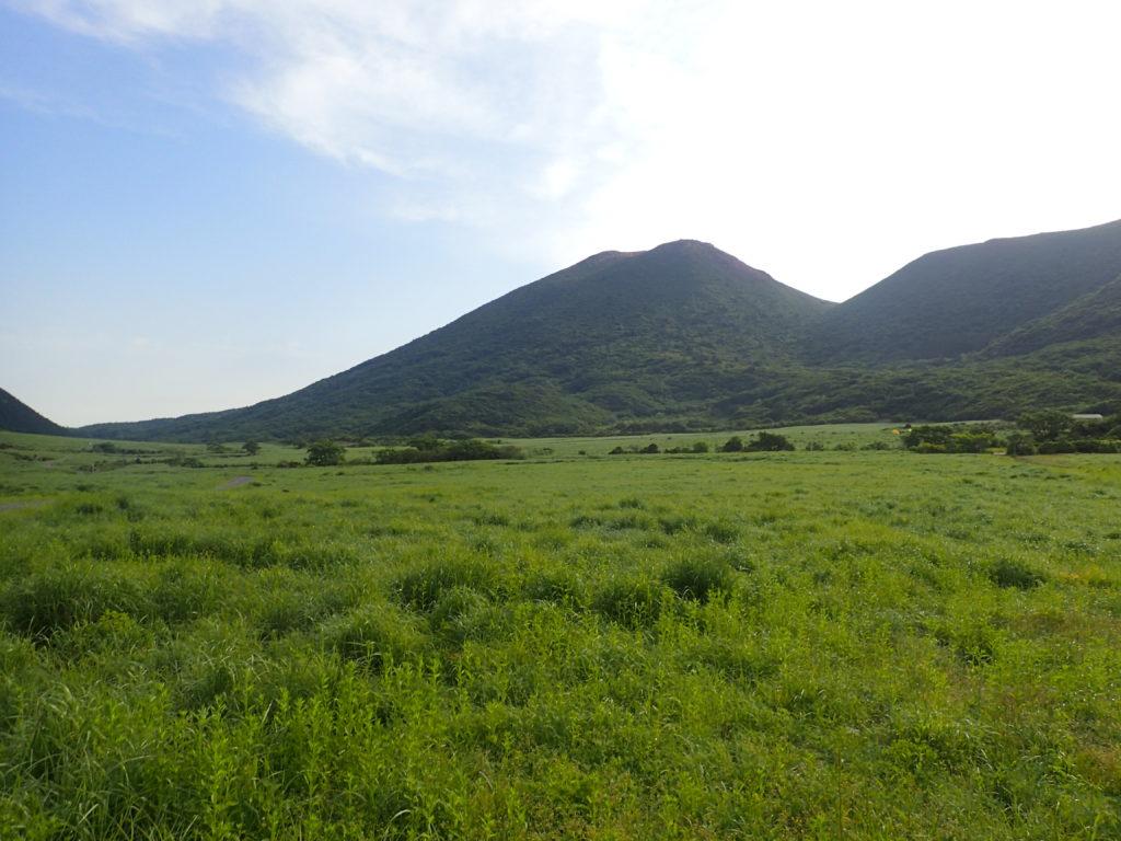 坊ガツルの湿地と平治岳