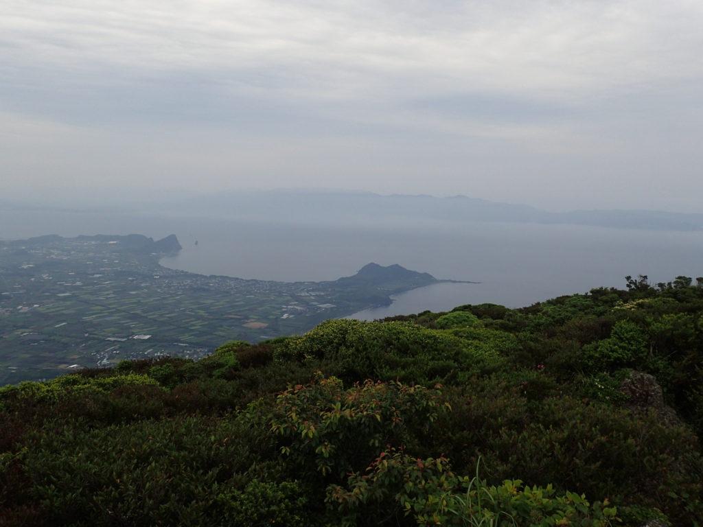 開聞岳から長崎鼻を撮影