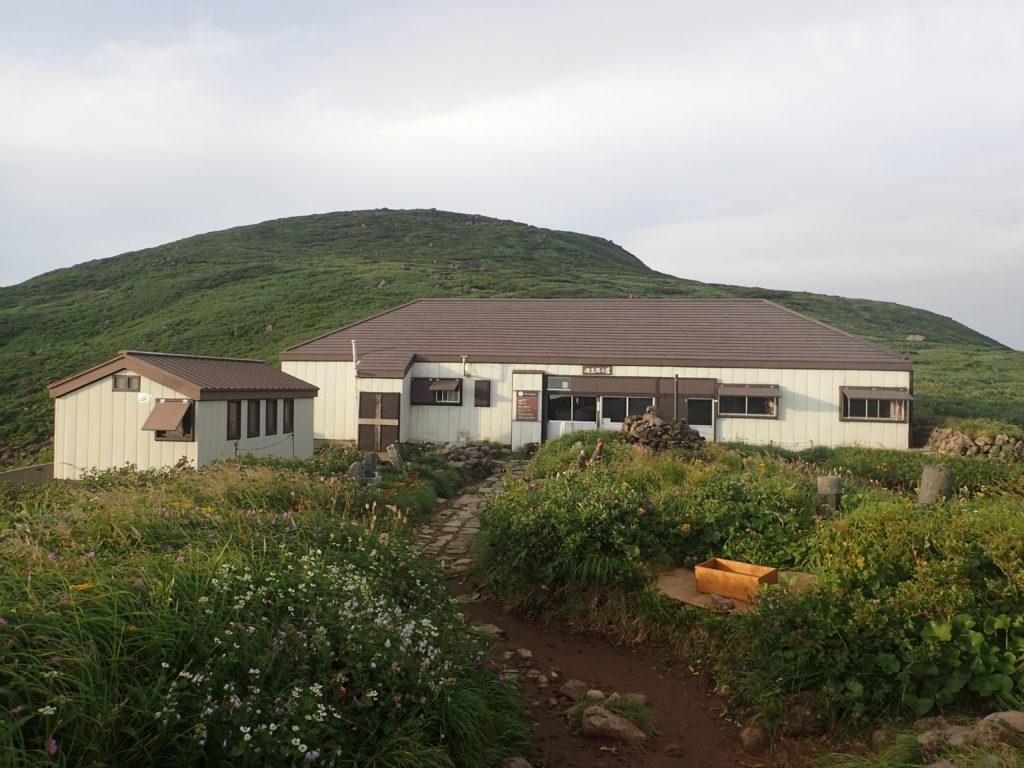 月山の佛生池小屋