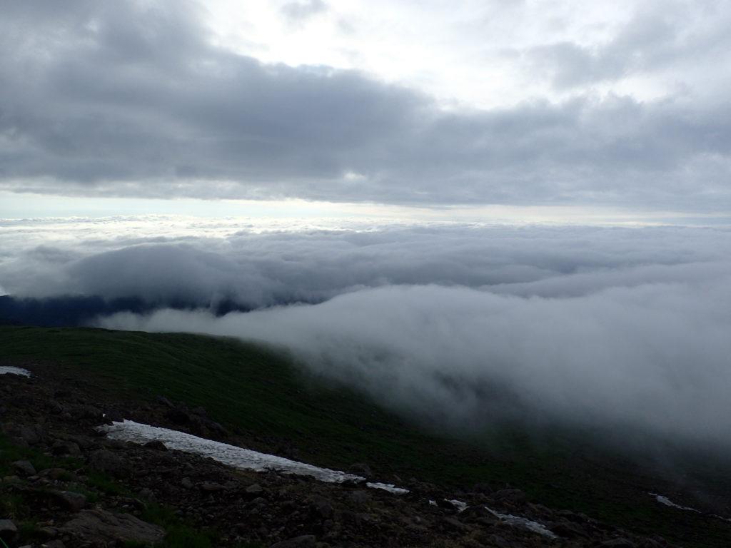月山登山道からの雲海