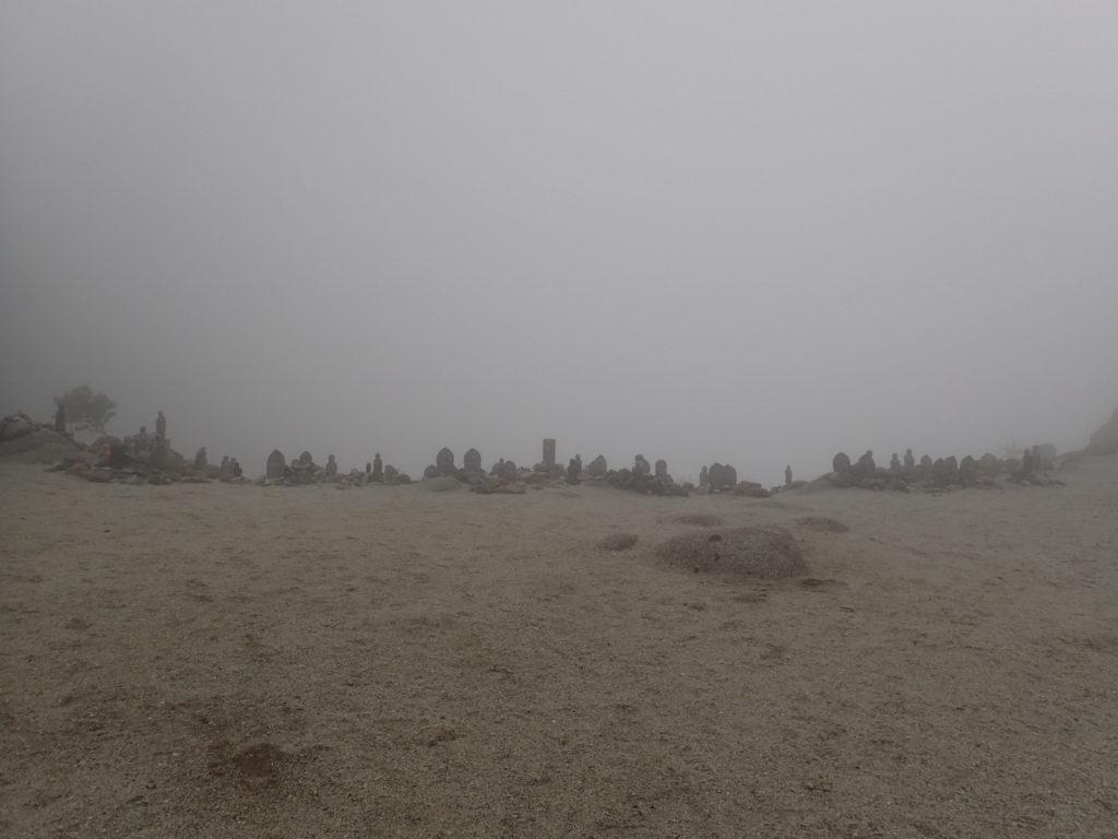 鳳凰三山の地蔵岳のお地蔵様