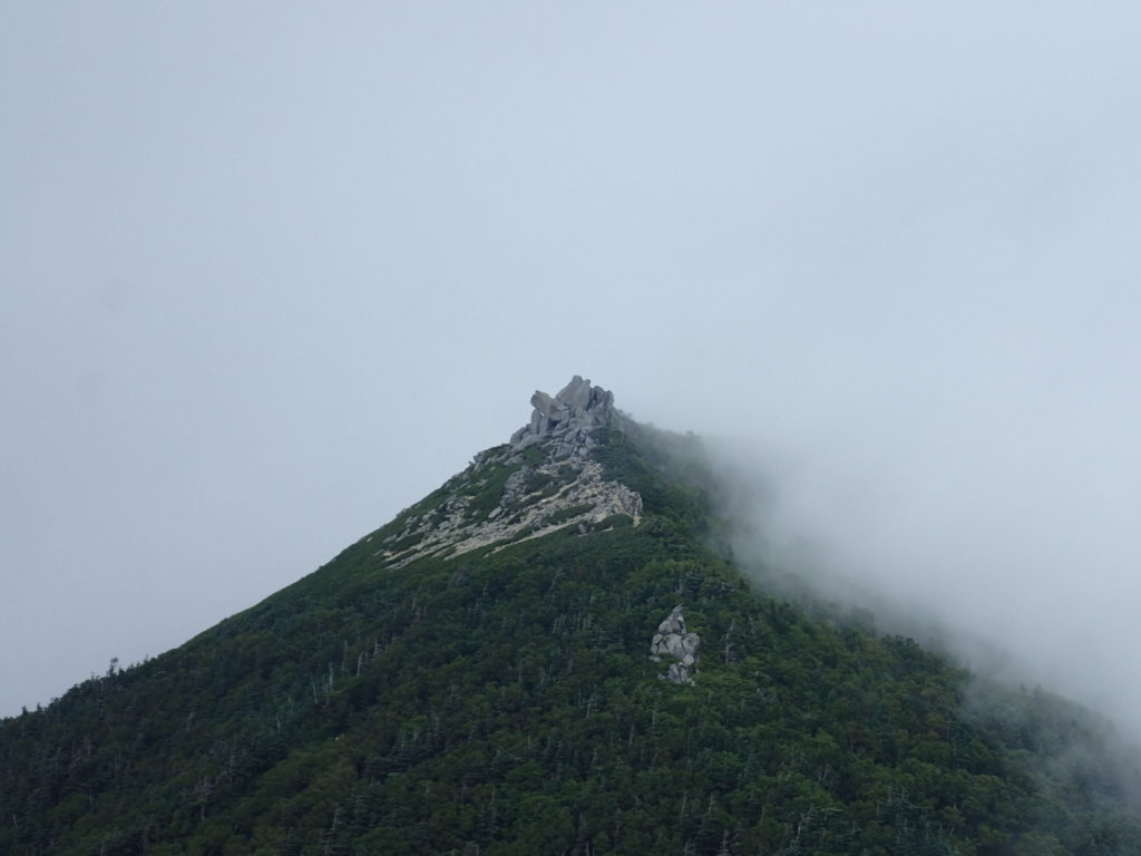 木曽駒ヶ岳の行者岩