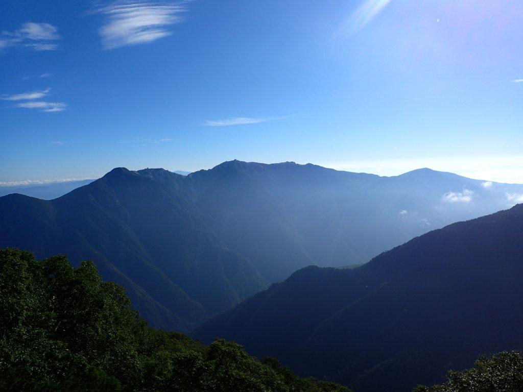 北岳登山道から見る鳳凰三山