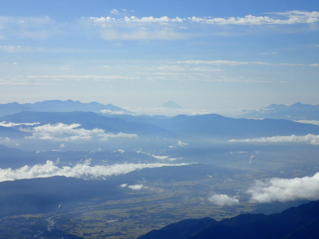 爺ヶ岳から見る富士山