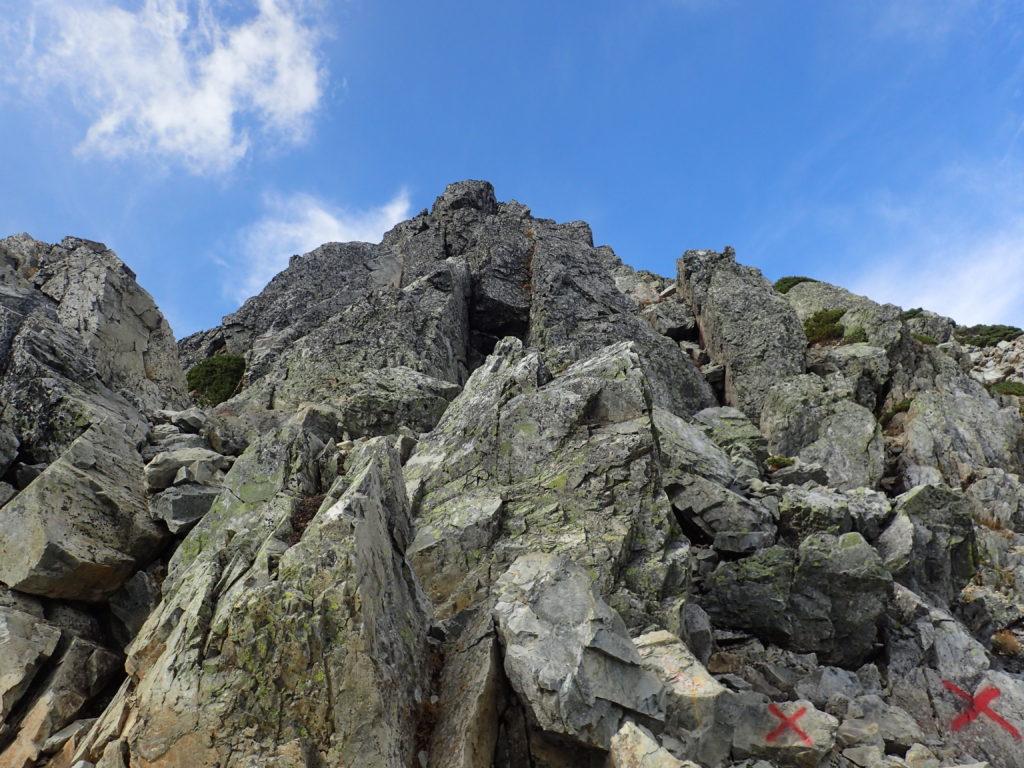 五竜岳山頂直下の岩場