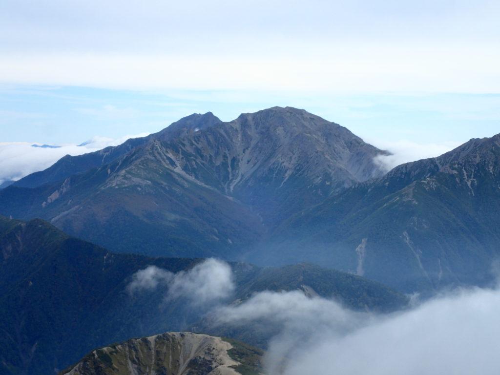 塩見岳から見る北岳