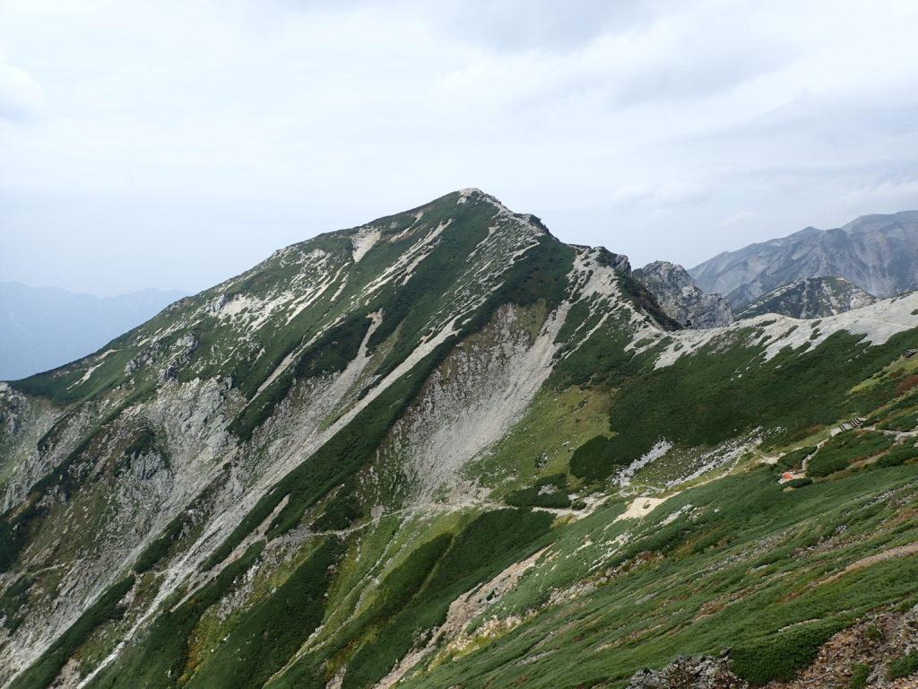 唐松岳頂上山荘から見る唐松岳
