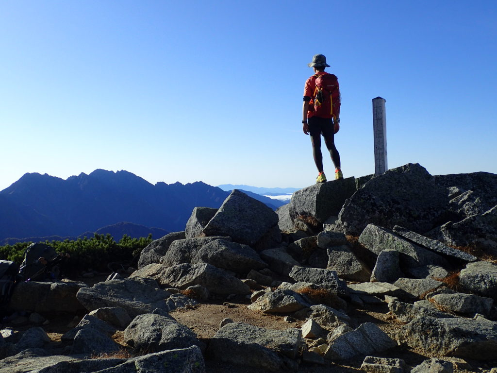双六岳山頂で記念自撮り