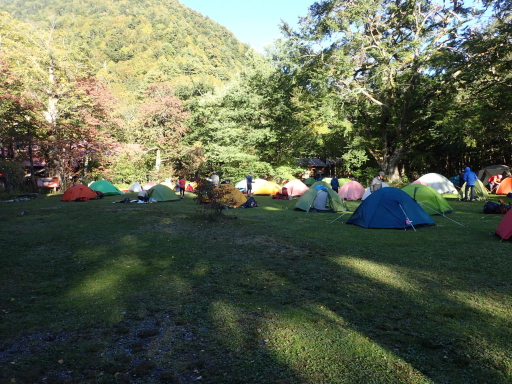 上高地の徳澤のテント場