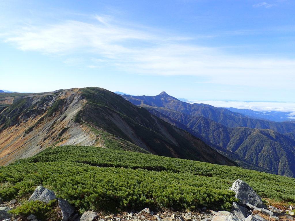 三俣蓮華岳山頂から見る笠ヶ岳