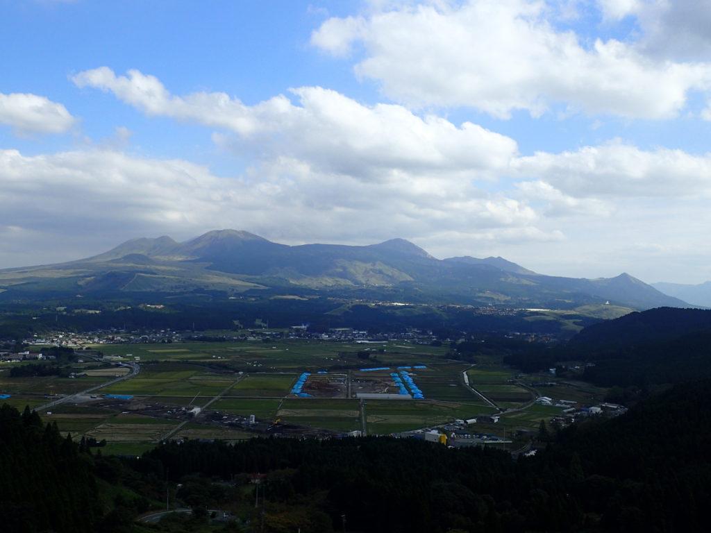阿蘇山撮影スポットの車帰駐車場から撮った阿蘇山