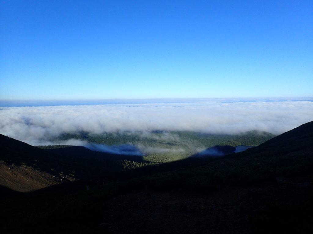雌阿寒岳登山道から見る雲海