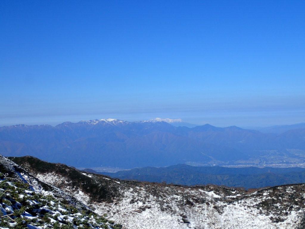 仙丈ヶ岳から見る中央アルプスと御嶽山