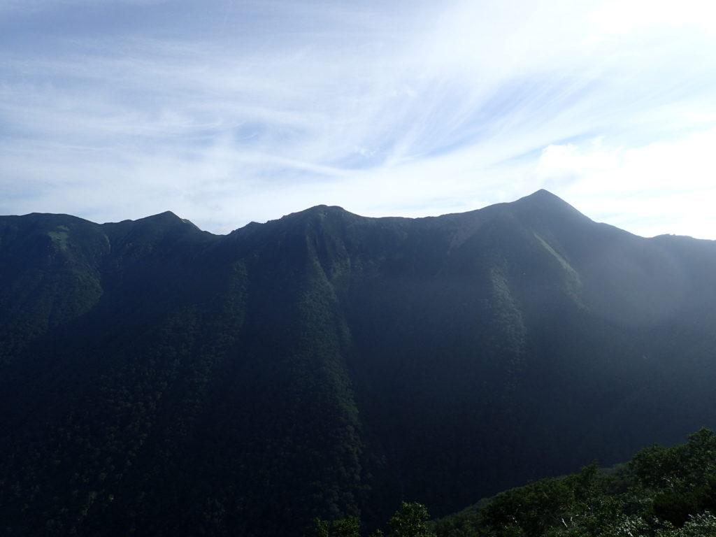 幌尻岳の振内ルートから見る戸蔦別岳