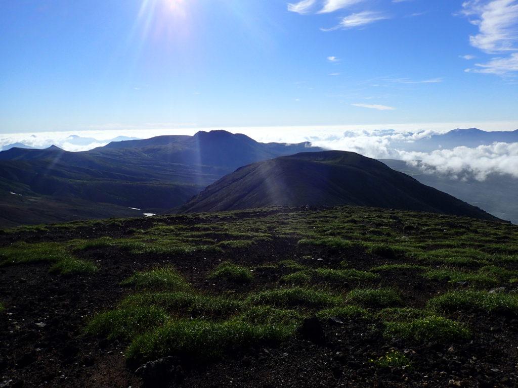 旭岳山頂から見る後旭岳