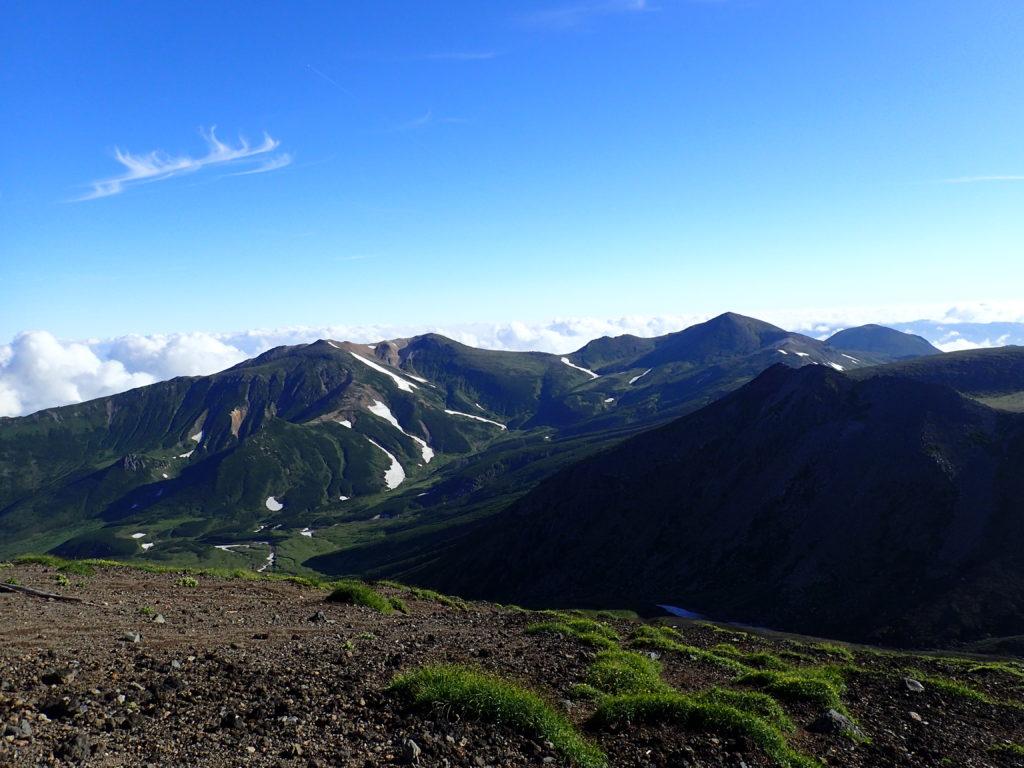 旭岳から見る北鎮岳方向
