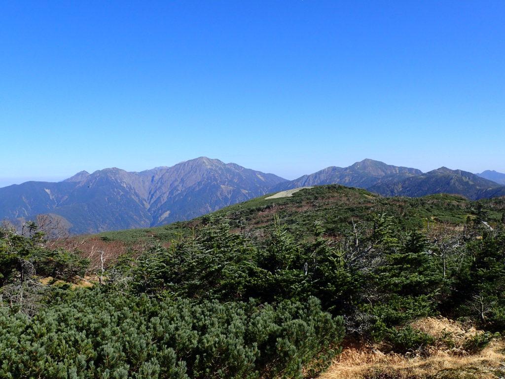 光小屋付近から見る聖岳