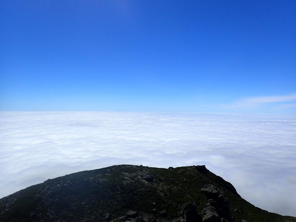 羅臼岳山頂から見た雲海