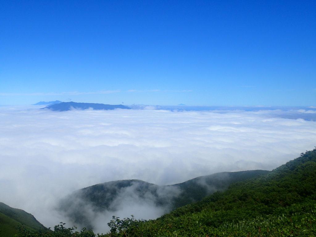 斜里岳の馬ノ背から見る雲海