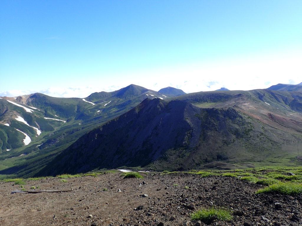 旭岳から見る熊ヶ岳方向