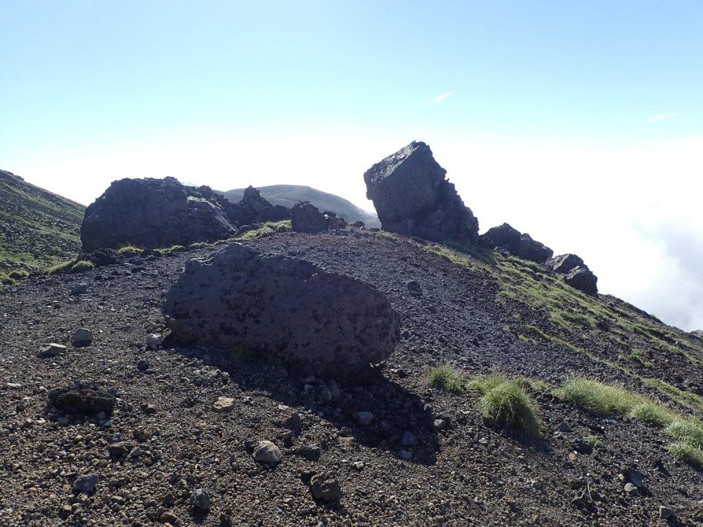 旭岳登山道のニセ金庫岩