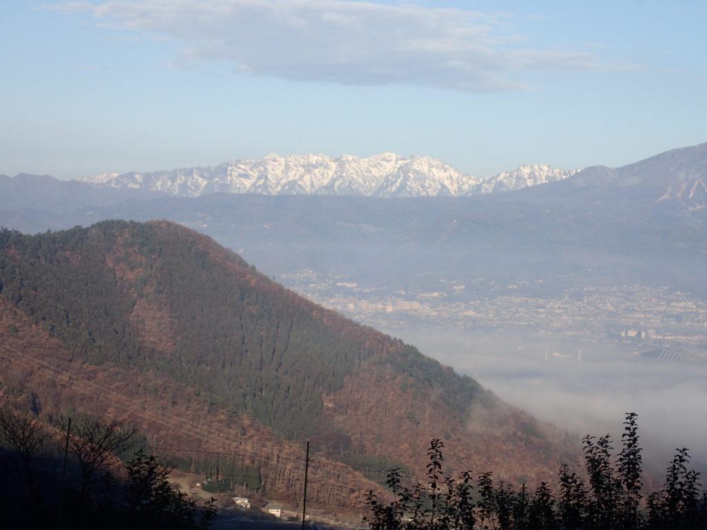 長野県長野市の太郎山山頂付近からみる戸隠連峰