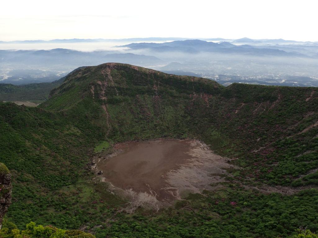 韓国岳の火口