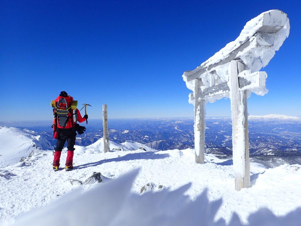 冬の剣ヶ峰山頂(乗鞍岳最高峰)