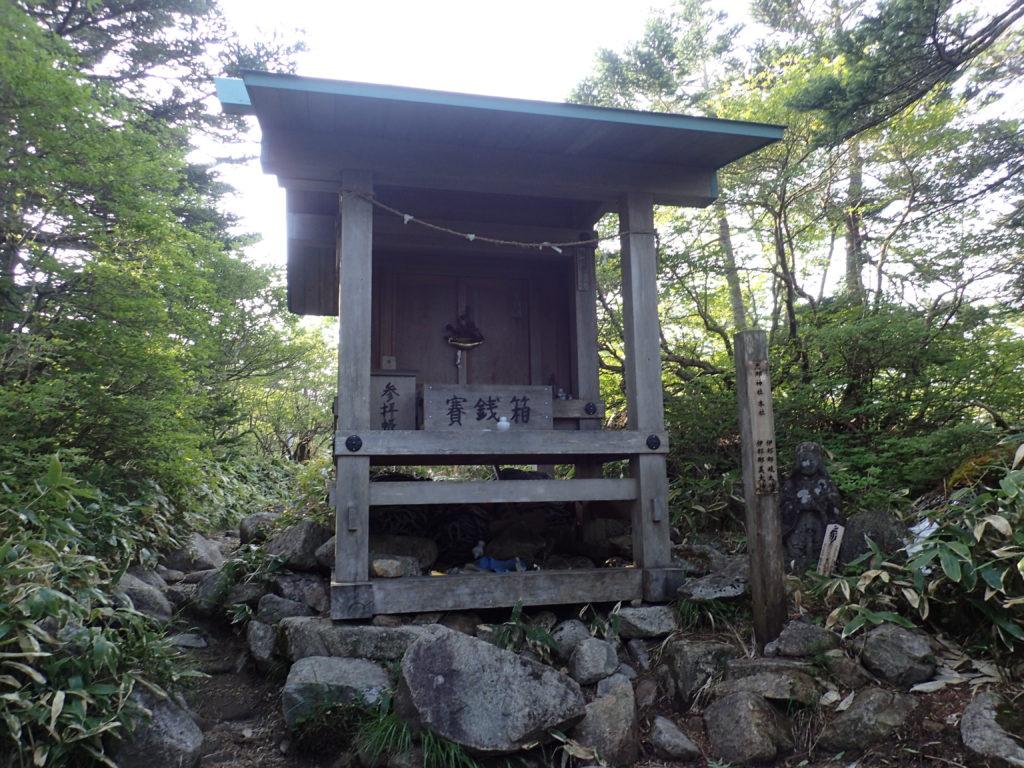 恵那山の山頂の恵那神社本社