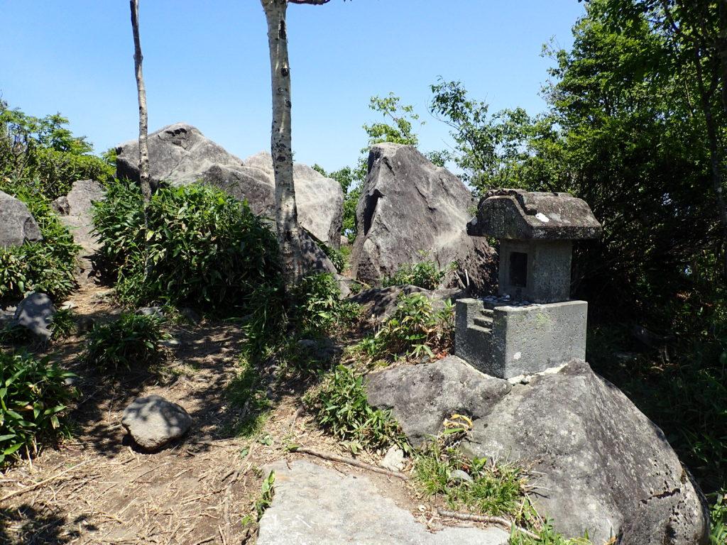 赤城山(黒檜山)にある絶景スポットの祠