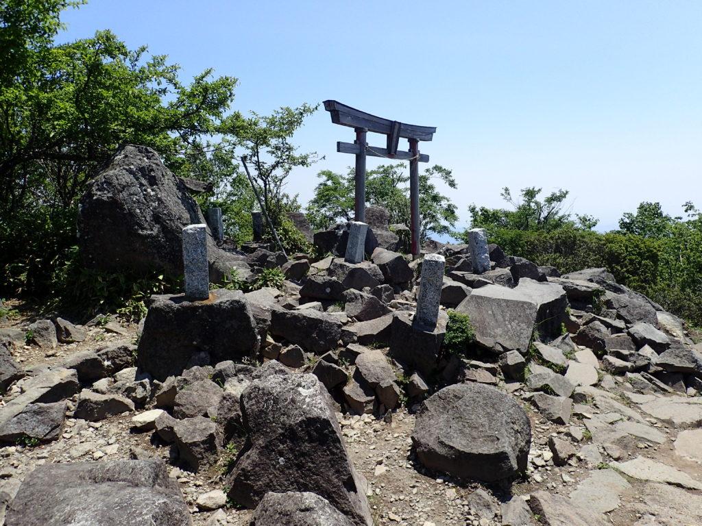 赤城山(黒檜山)山頂付近にある鳥居