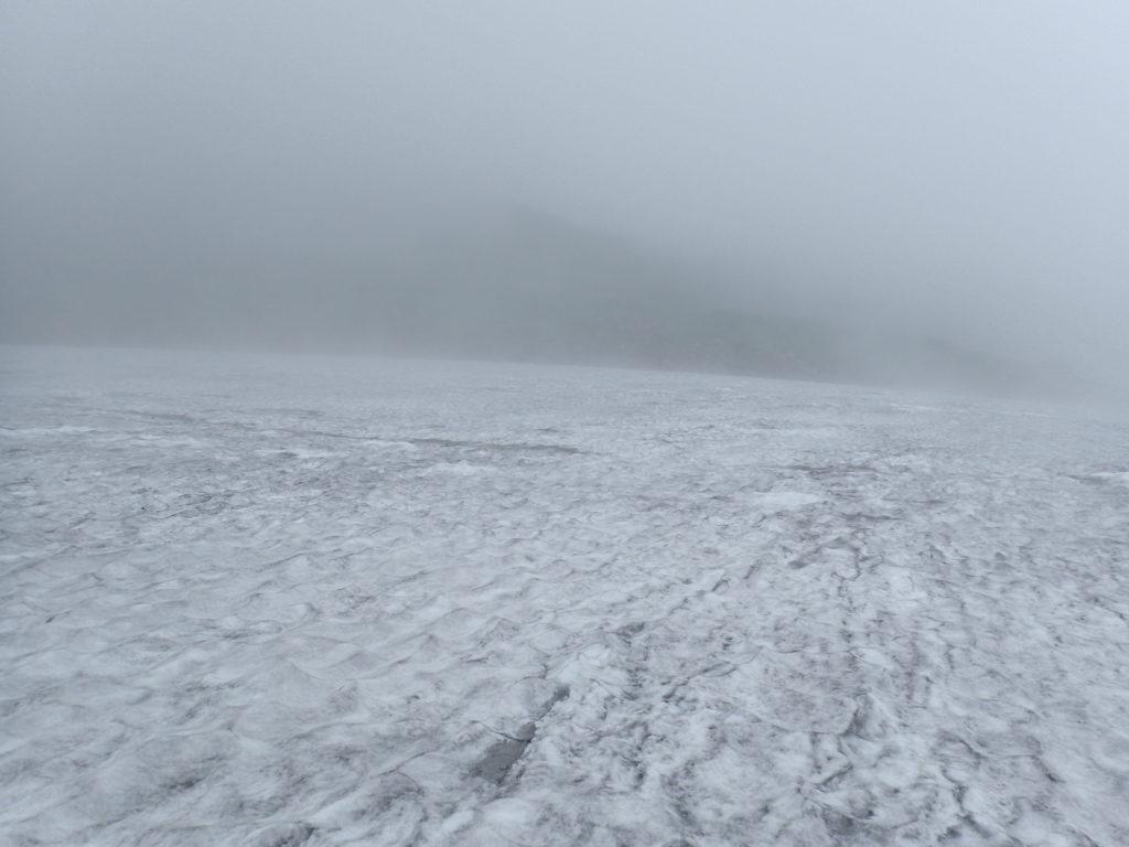 鳥海山の雪渓